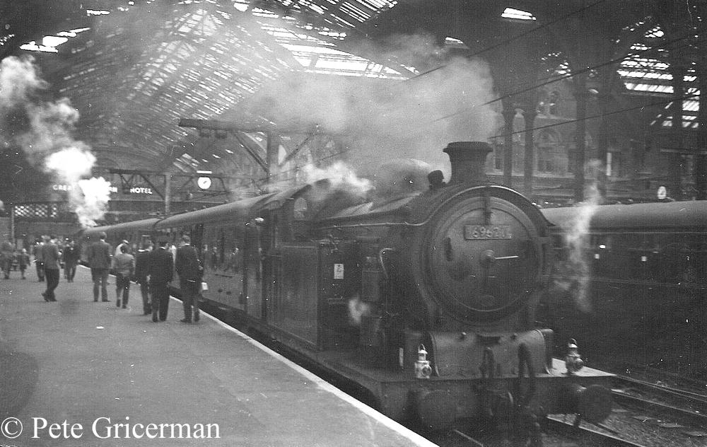 69621 at Liverpool Street station - April 1962