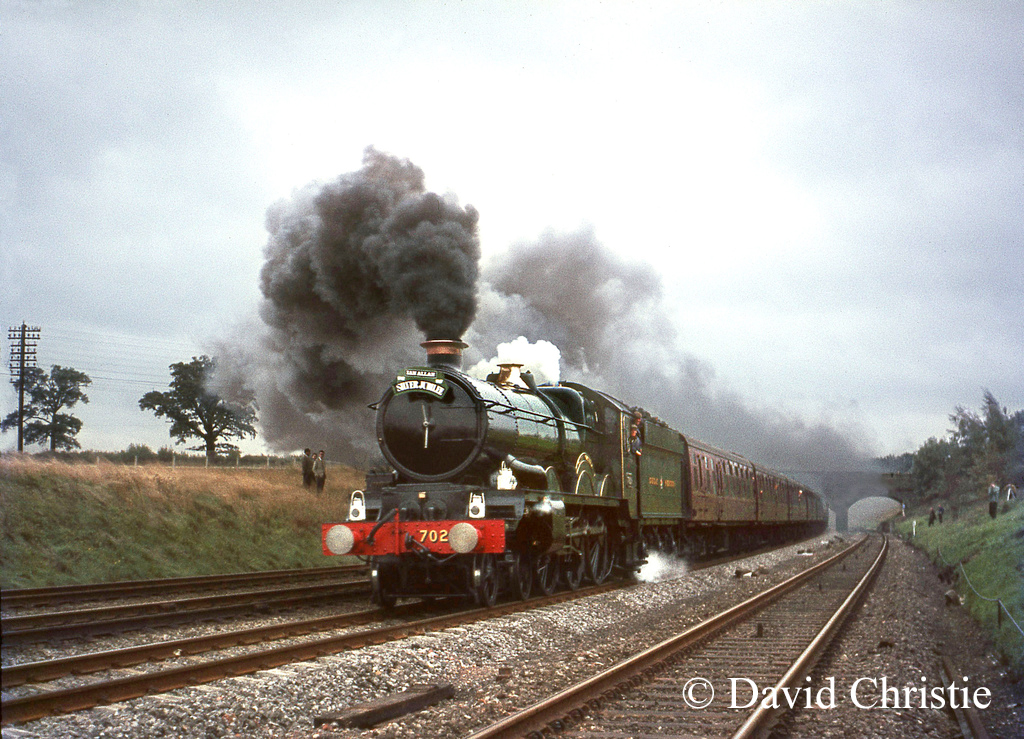7029 Clun Castle on an Ian Allan Special near Brookmans park on the GN main line - October 1967.jpg