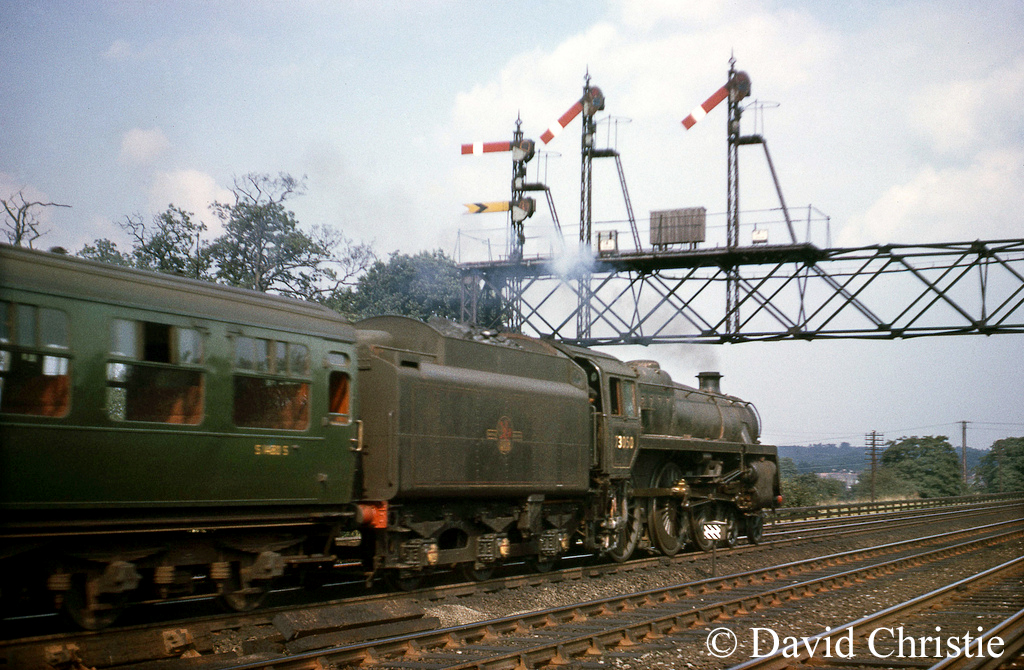73050 east of Farnborough - August 1964.jpg