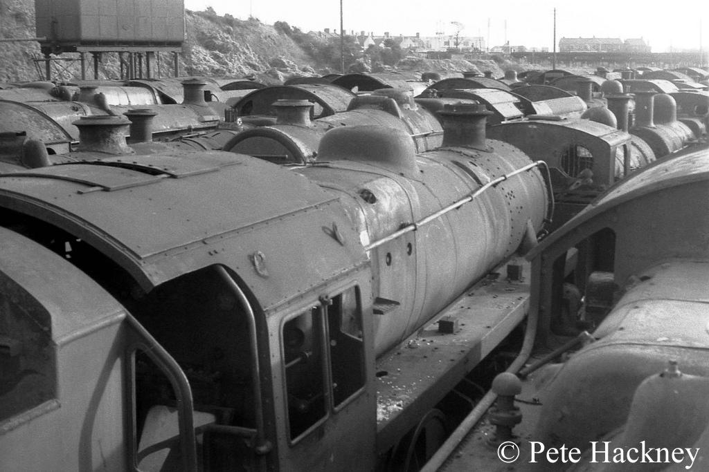 76079 in Woodham's scrapyard at Barry - October 1968.jpg