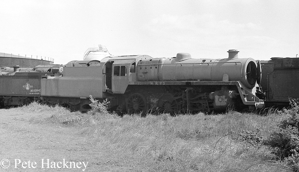 76084 in Woodham's scrapyard at Barry - 1975.jpg