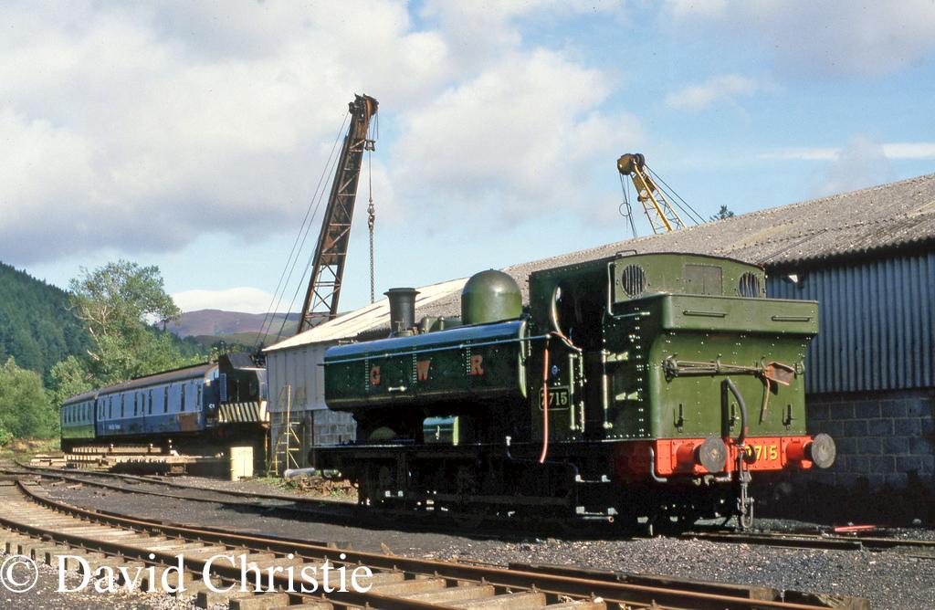 7715 at Llangollen - September 1987.jpg