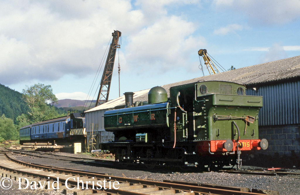 7715 at Llangollen - September 1987.jpg