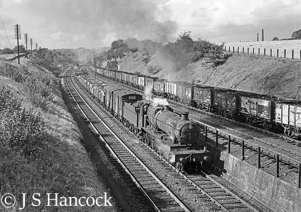 7820 Dinmore Manor at Hollingwood Sidings (Telford) a few weeks before being sold for scrap - September 1965.jpg