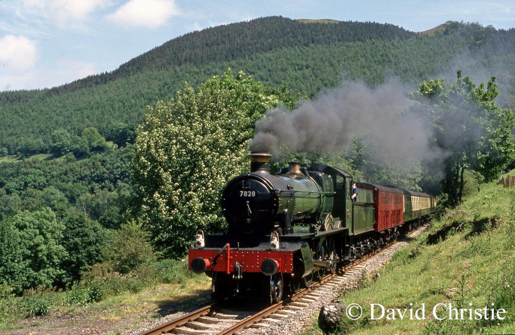7828 Odney Manor near Deeside Halt on the Llangollen Railway - June 1990.jpg
