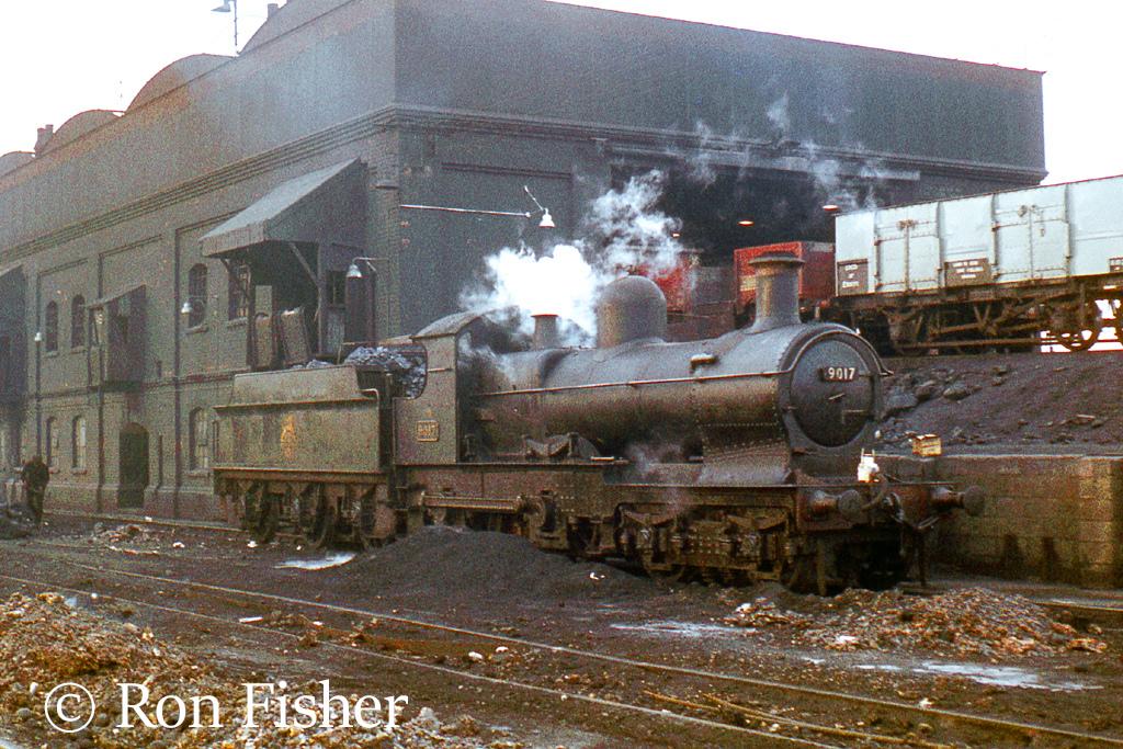 9017 at Old Oak Common - February 1962.jpg