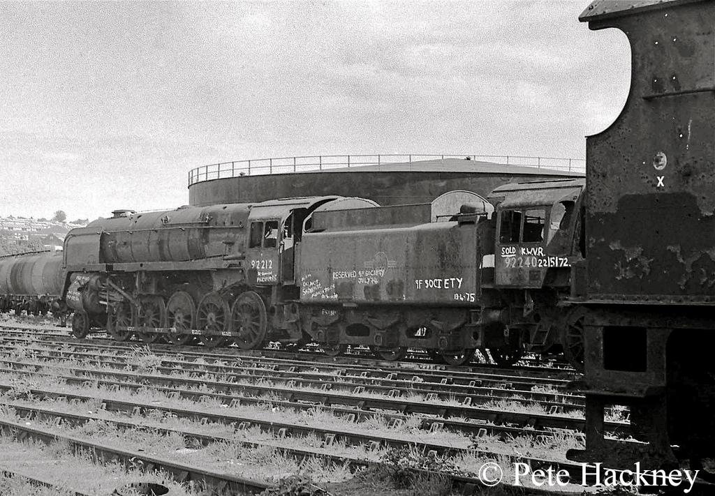 92212 in Woodham's scrapyard at Barry - 1975 a.jpg