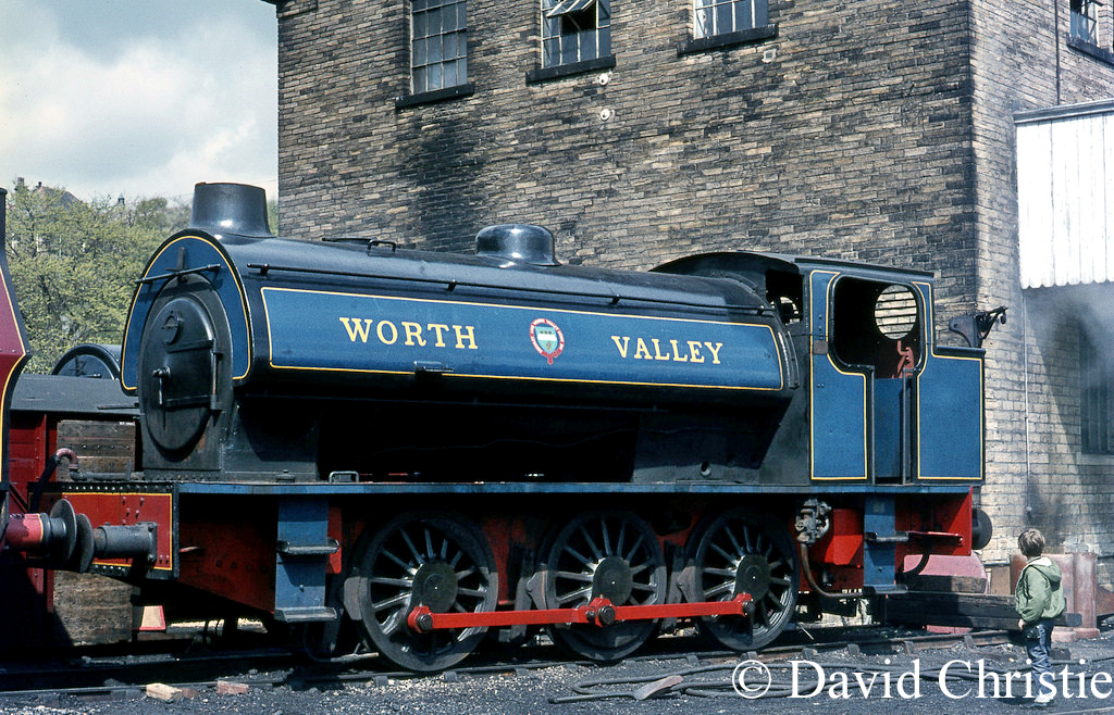 Robert Stephenson & Hawthorn Works No 7289 at Haworth - May 1971.jpg