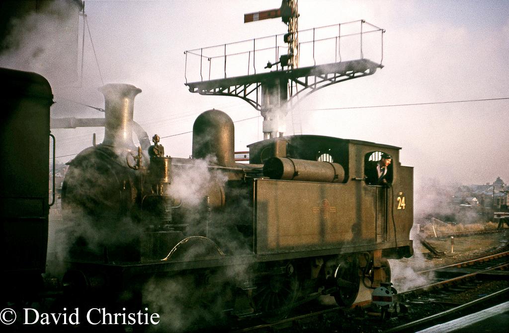 W24 Calbourne at Newport - January 1966  a.jpg