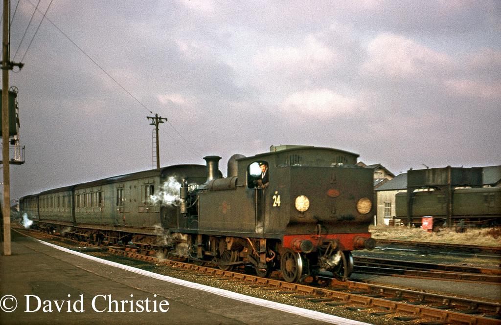 W24 Calbourne at Newport - January 1966.jpg