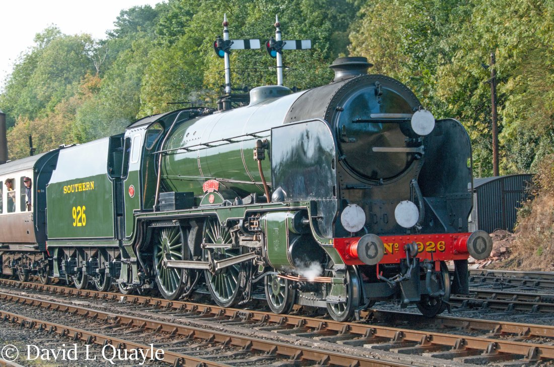 This image has an empty alt attribute; its file name is 30926-repton-at-bewdley-on-the-severn-valley-railway-september-2017.jpg