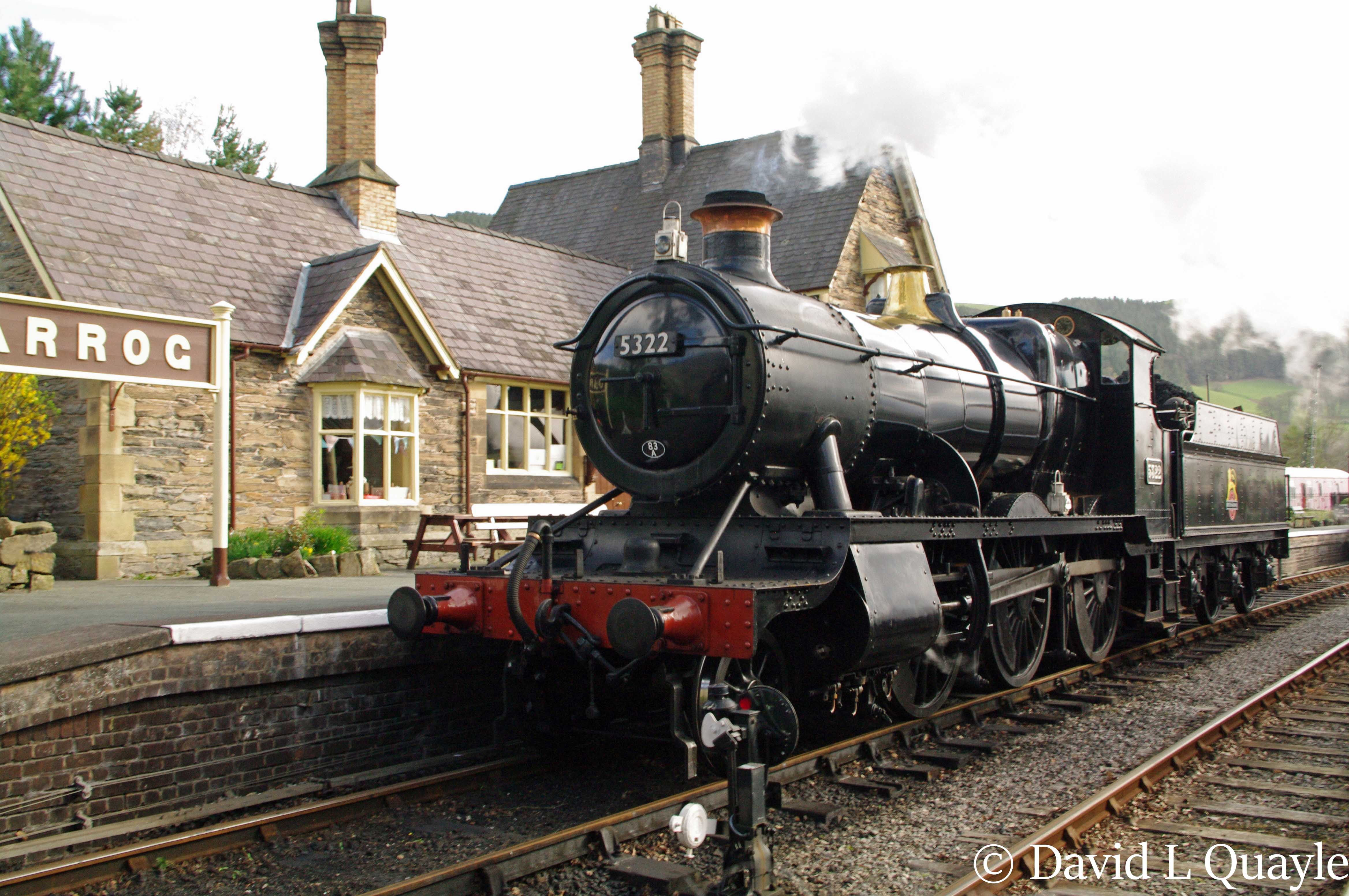 This image has an empty alt attribute; its file name is 5322-at-carrog-on-llangollen-railway-with-a-3p20-parcels-charter-train-april-2014.jpg