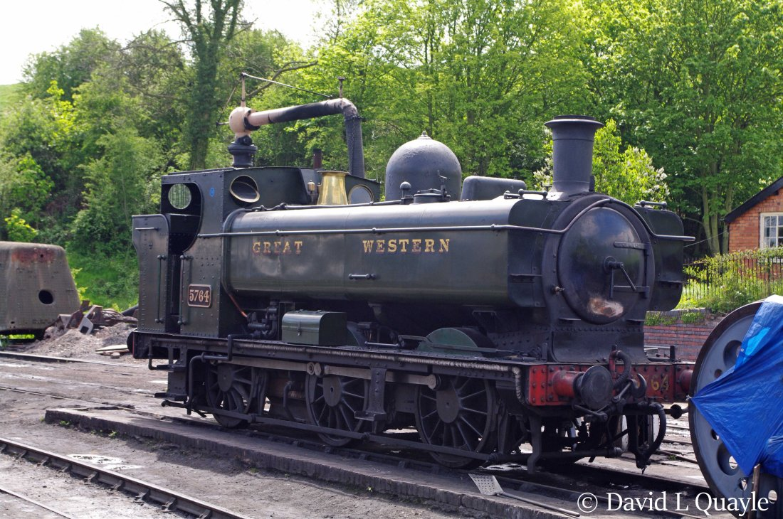 This image has an empty alt attribute; its file name is 5764-at-bridgnorth-on-the-severn-valley-railway-may-2010.jpg