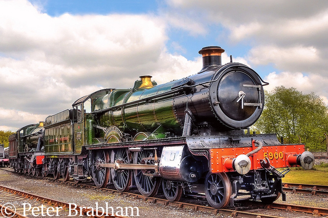 This image has an empty alt attribute; its file name is 5900-hinderton-hall-at-didcot-may-2010.jpg