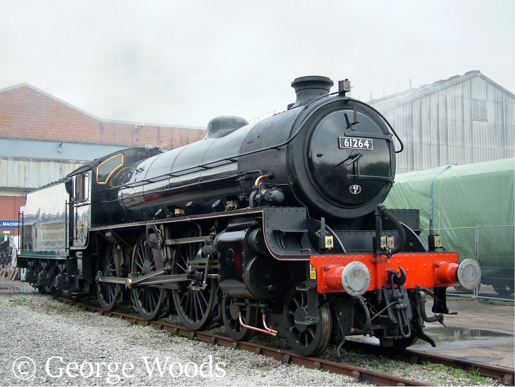 61264 at Crewe Works Open Day - September 2005.jpg