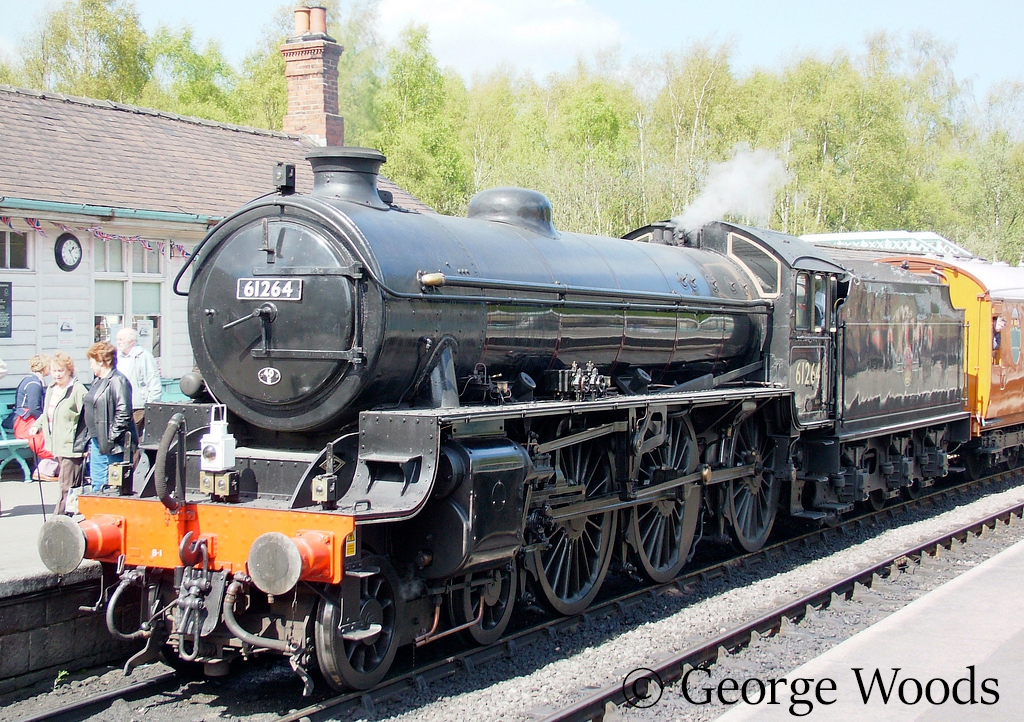 61264 at Grosmont on the North Yorkshire Moors Railway - April 2005.jpg