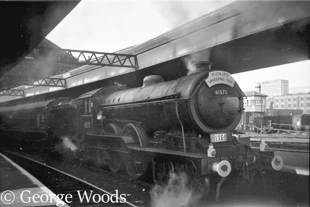 61572 at Broad Street station - October 1963.jpg