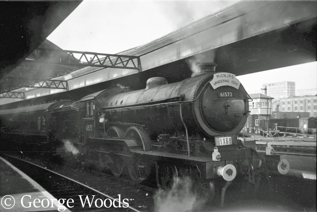61572 at Broad Street station - October 1963.jpg