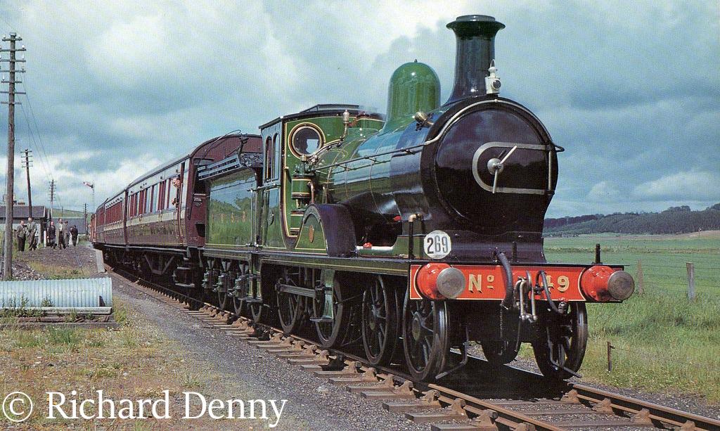 62277 Gordon Highlander at Auchterless on the Macduff branch - June 1960.jpg