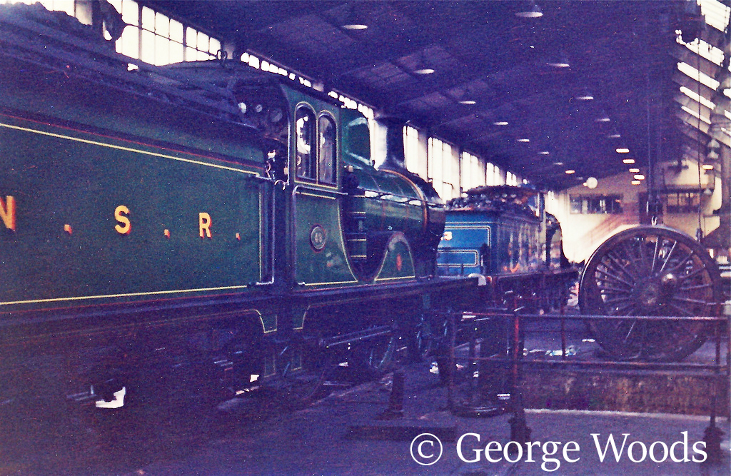 62277 in front of 123 at Eastfields shed in Glasgow - April 1965.jpg