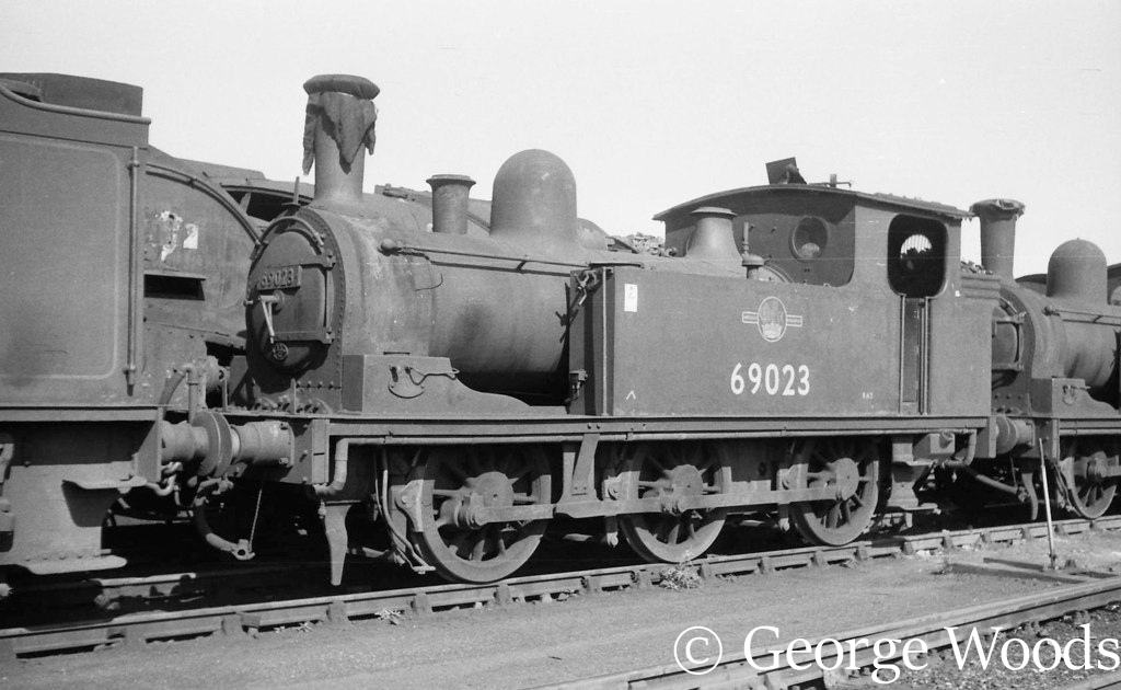 69023 at Heaton - April 1964