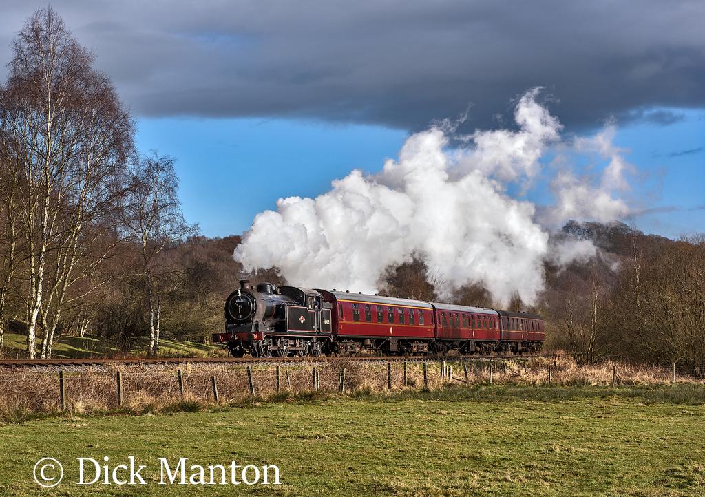 69621 near Cheddleton on the Churnet Vllaey Railway - January 2007.jpg