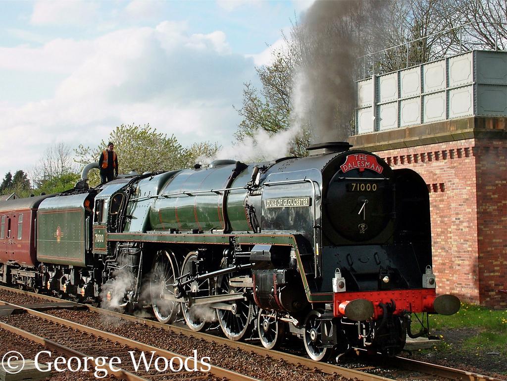 71000 Duke of Gloucester at Appleby - May 2005.jpg