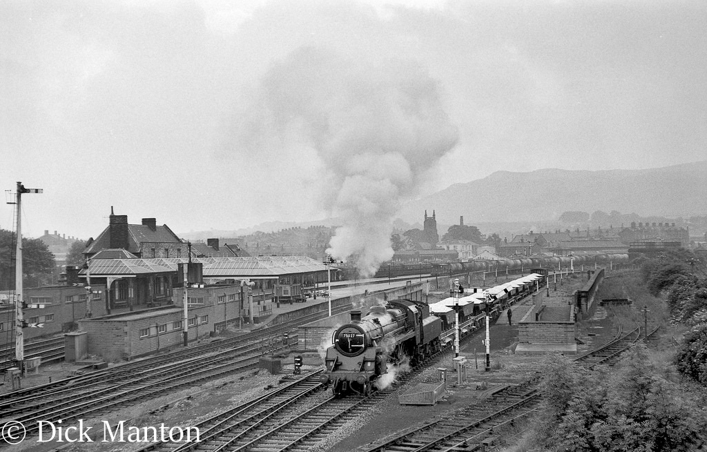 75027 at Skipton on a train for the Grassington branch.jpg