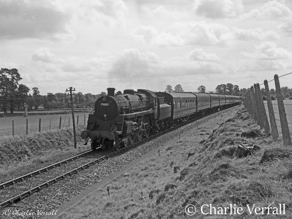 75027 nearing Templecombe with a train from Bournemouth to Sheffield – August 1962.jpg