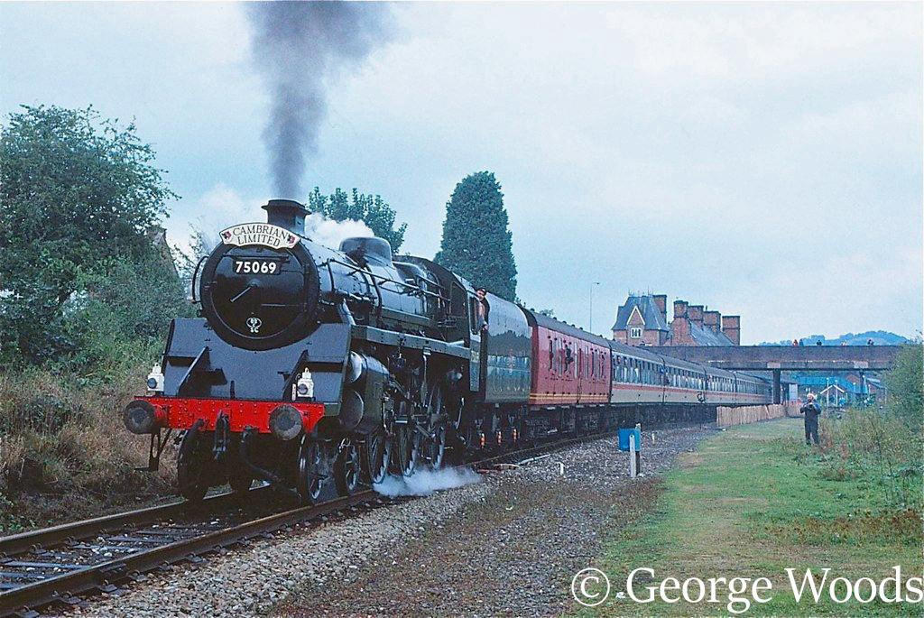 75069 at Welshpool - September 1991.jpg