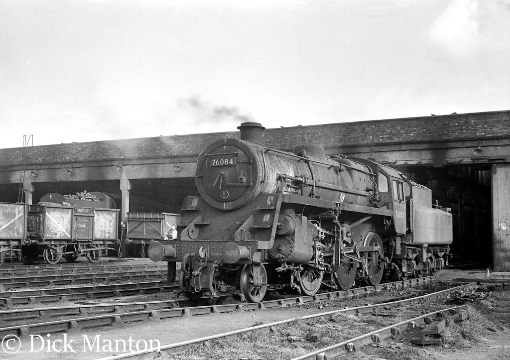 76084 on Sutton Oak shed.jpg