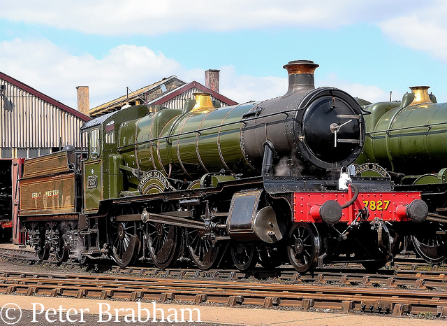 This image has an empty alt attribute; its file name is 7827-lydham-manor-at-didcot-may-2010.jpg