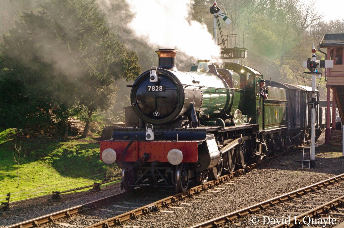 This image has an empty alt attribute; its file name is 7828-odney-manor-at-bewdley-on-the-severn-valley-railway-march-2014-n.jpg