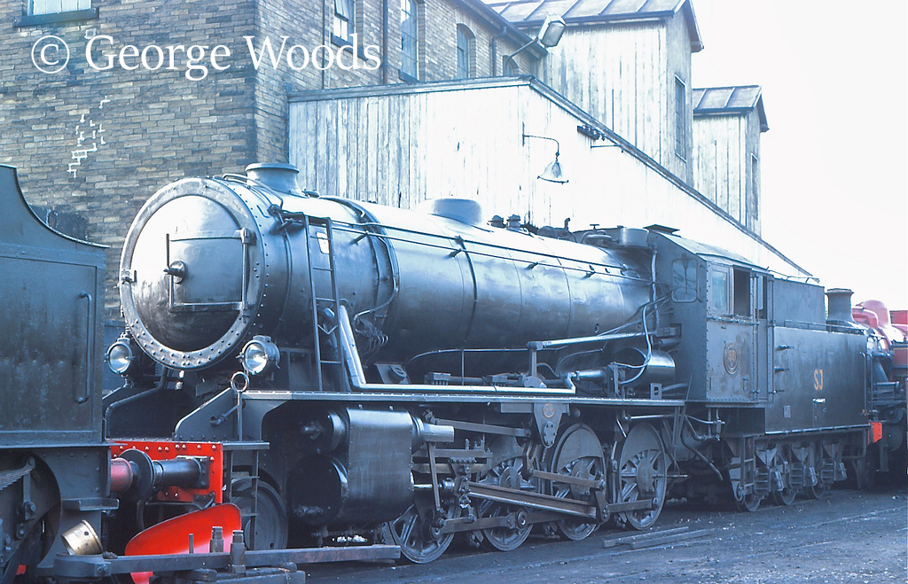 90733 before being rebuilt as 90733 at Haworth on the KWVR - August 1983.jpg