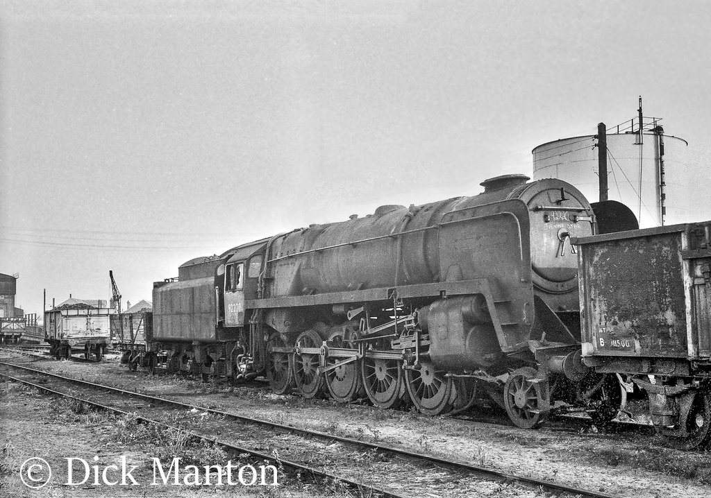 92220 Evening Star at Severn Tunnel Junction showing the damage to the buffer beam - November 1965.jpg