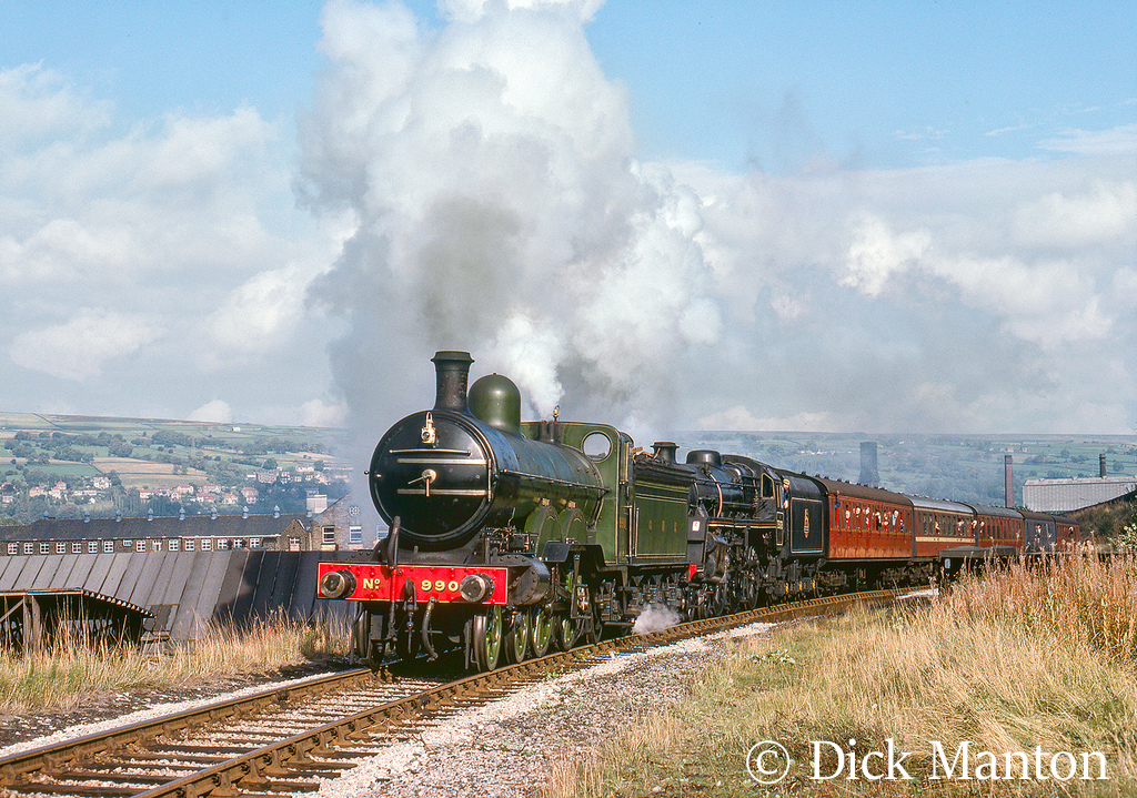 990 Henry Oakley acts as the train pilot pulling out of Keighley on the KWVR.jpg