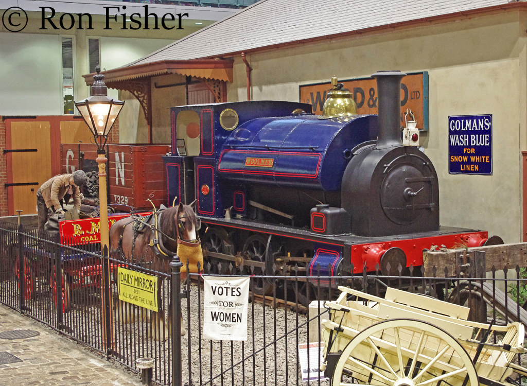 Avonside 1572 at the Milestones Museum in Basingstoke - October 2015.jpg