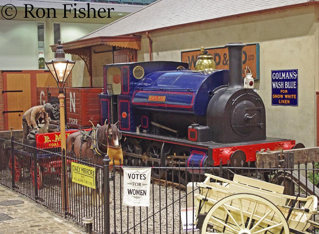 Avonside 1572 at the Milestones Museum in Basingstoke - October 2015.jpg
