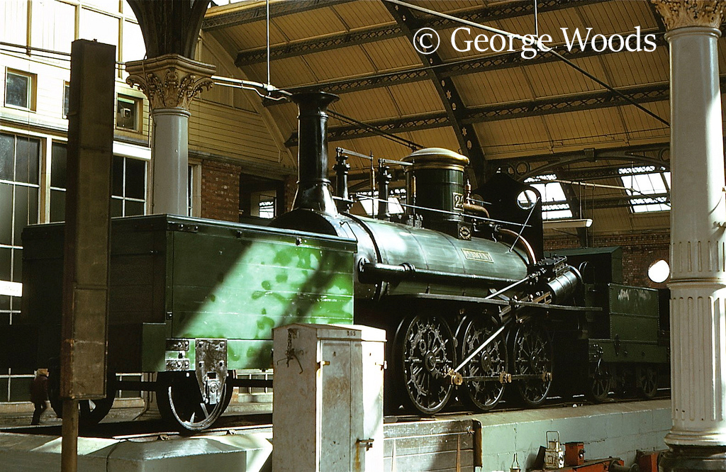 Derwent at Darlington Bank Top Station - August 1975.jpg