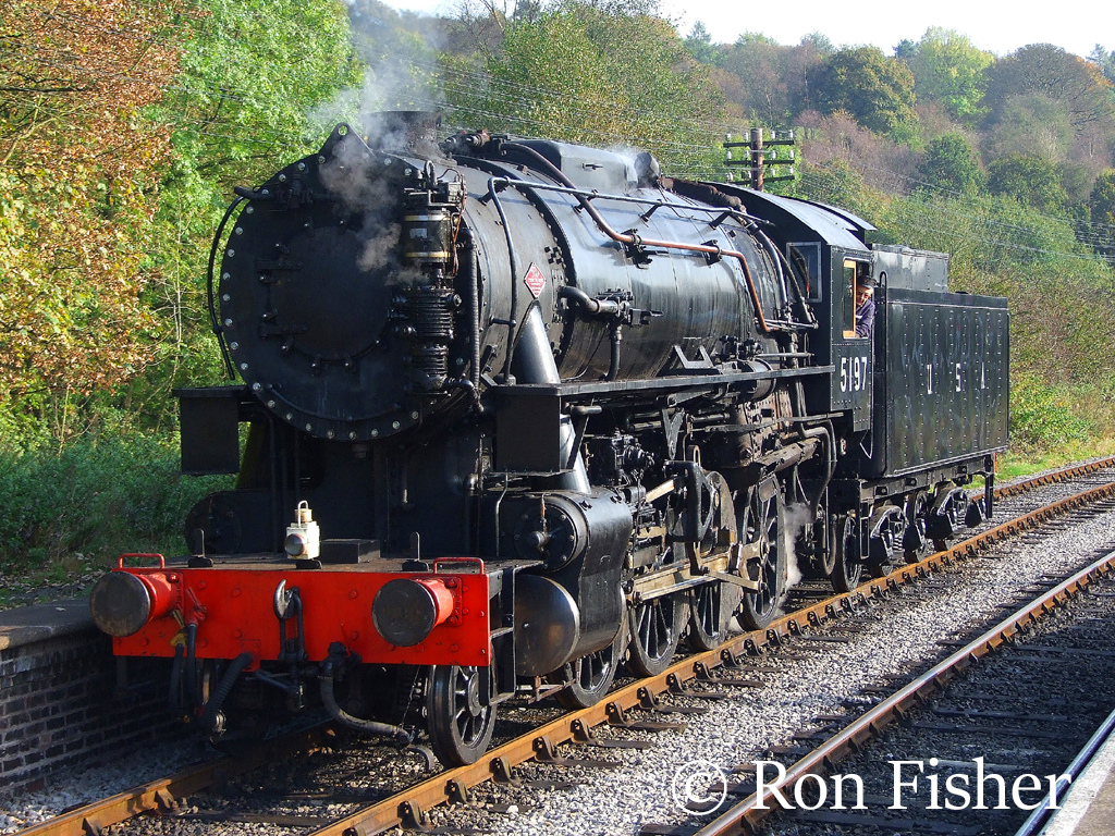 USATC 5197 at Frohall on the Churnet Valley Railway - October 2007.jpg