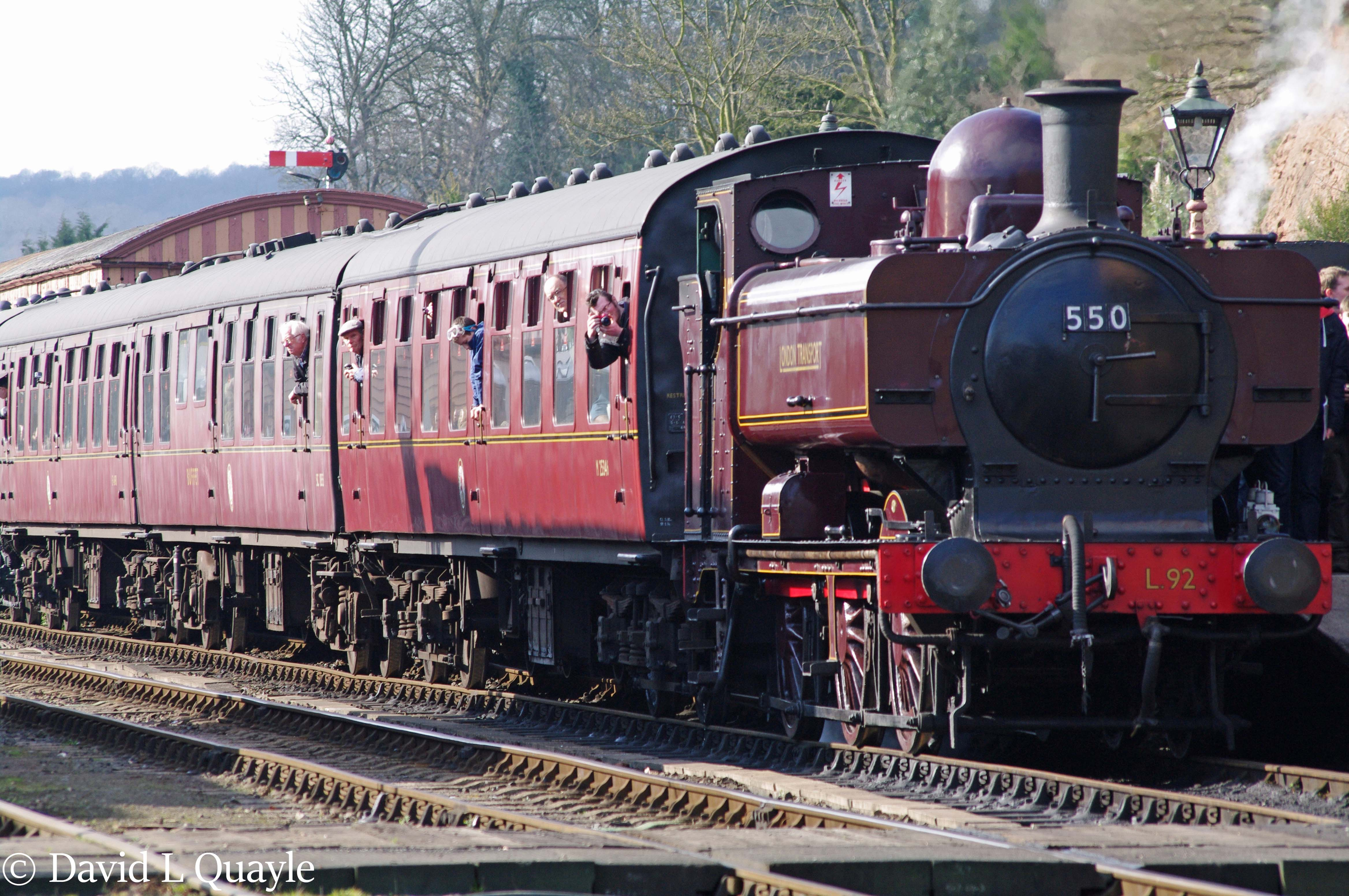 This image has an empty alt attribute; its file name is l92-5786-at-bewdlwy-on-the-severn-valley-railway-march-2015.jpg