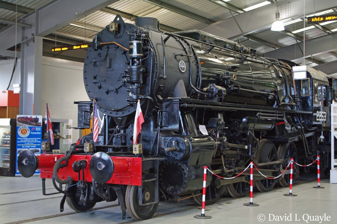 This image has an empty alt attribute; its file name is 2253-in-locomotion-at-shildon-april-2015.jpg