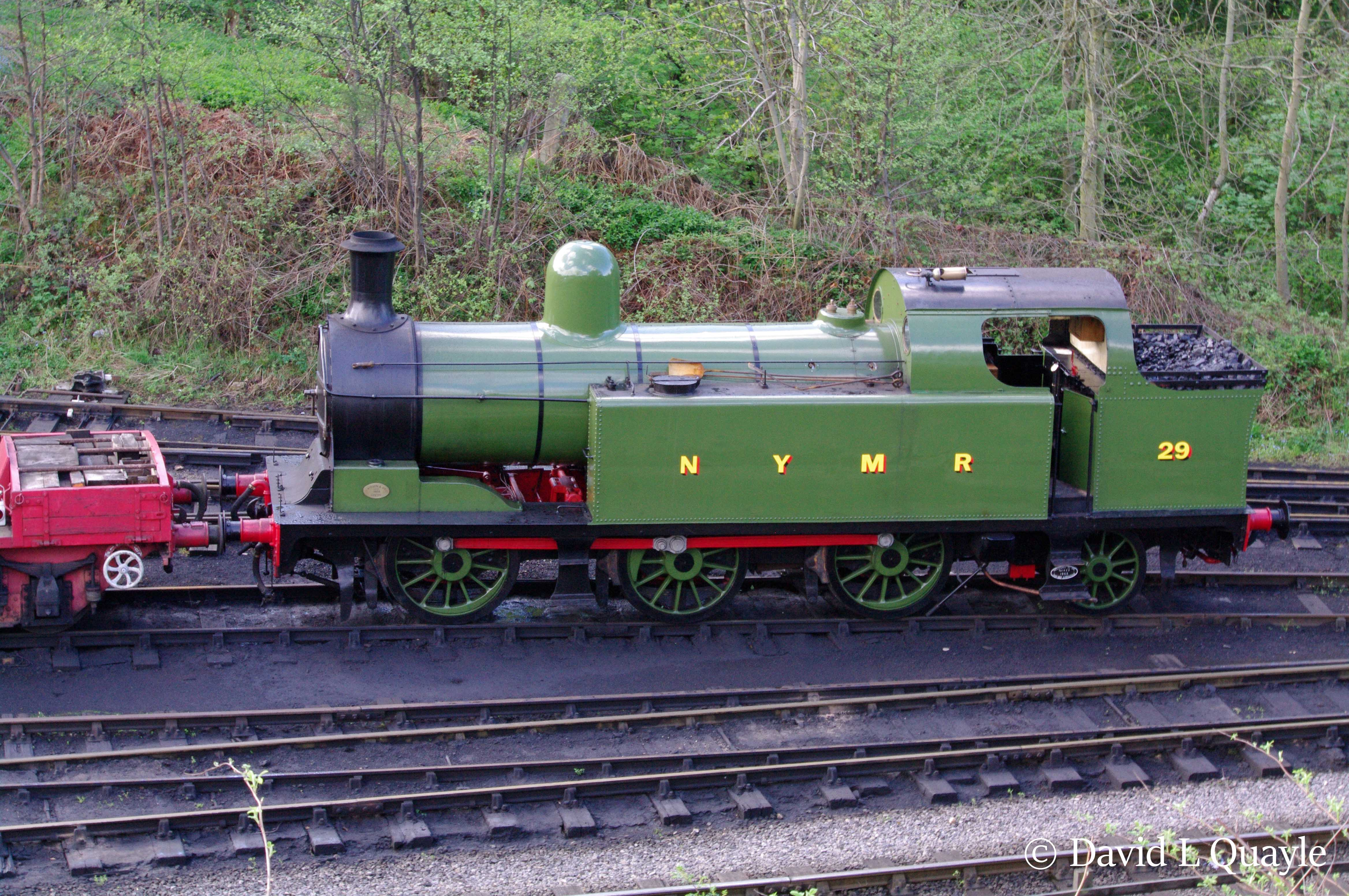 This image has an empty alt attribute; its file name is 29-lambton-tank-at-grosmont-on-the-north-yorkshire-moors-railway-e28093-may-2013.jpg