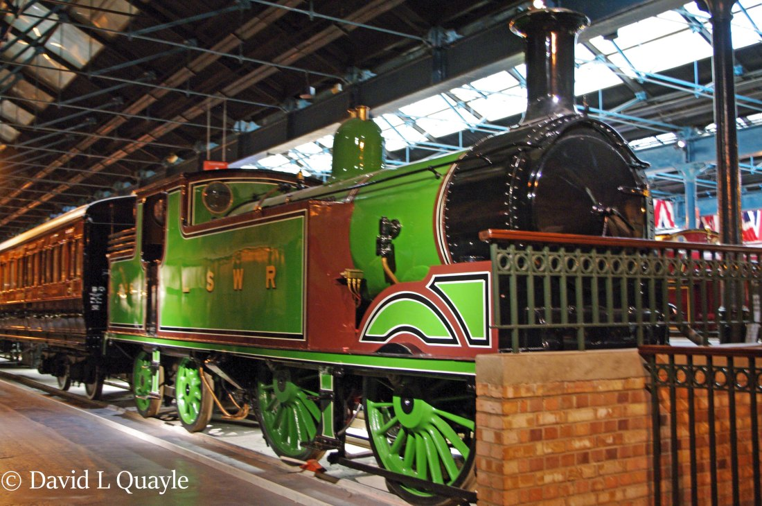 This image has an empty alt attribute; its file name is 30245-at-the-national-railway-museum-at-york-july-2013.jpg