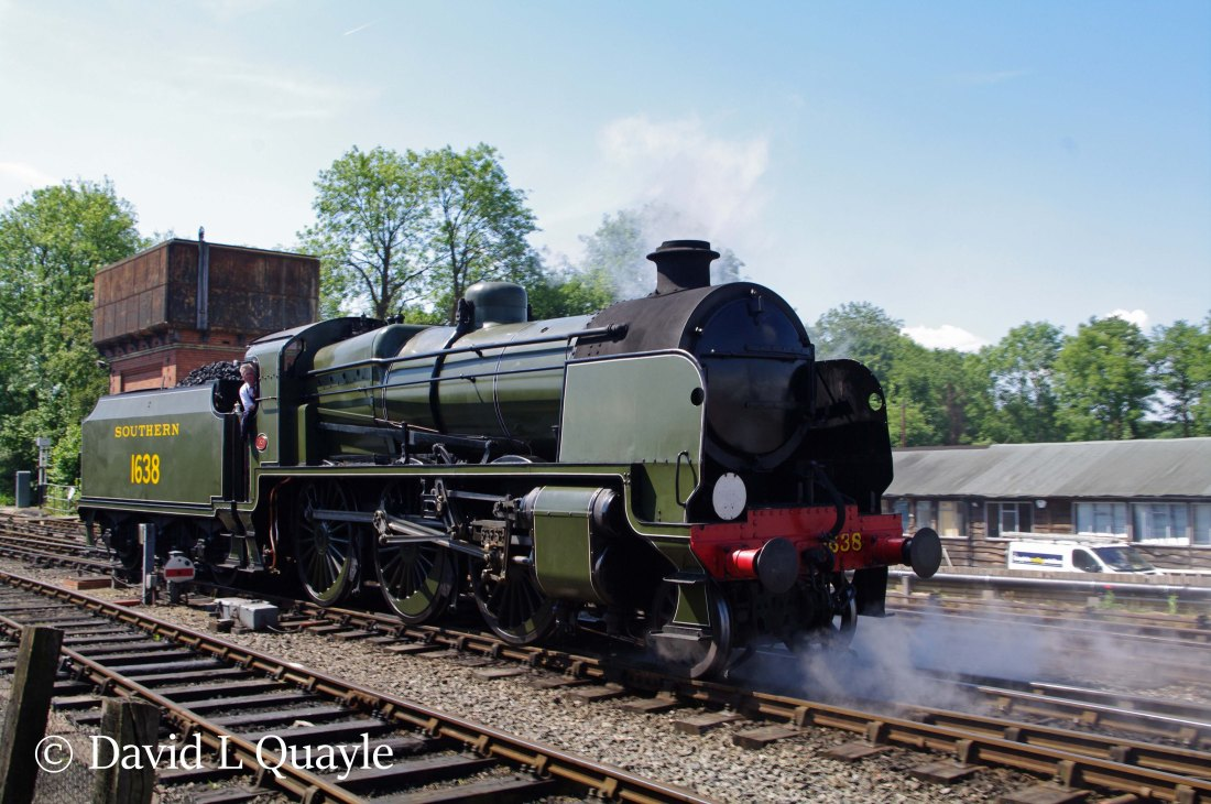 This image has an empty alt attribute; its file name is 31638-at-sheffield-park-on-the-bluebell-railway-june-2012.jpg