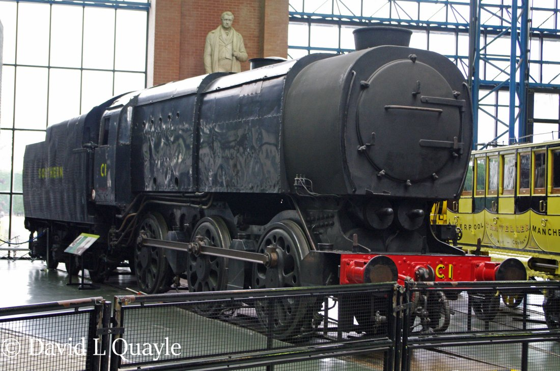 This image has an empty alt attribute; its file name is 33001-in-the-national-railway-museum-at-york-july-2013.jpg
