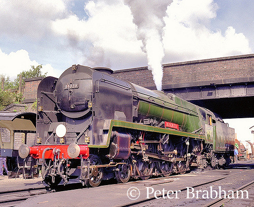 This image has an empty alt attribute; its file name is 34039-boscastle-on-the-great-central-railway-1996.jpg