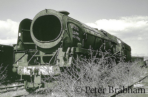 This image has an empty alt attribute; its file name is 35011-general-steam-naviagtion-in-woodhams-scrapyard-at-barry-c2009.jpg