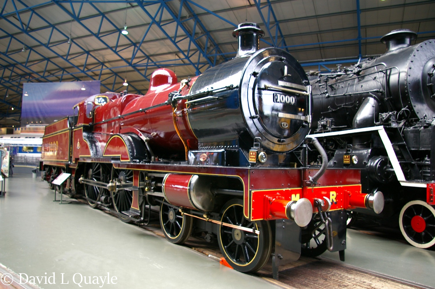 This image has an empty alt attribute; its file name is 41000-in-the-national-railway-museum-at-york-january-2005.jpg