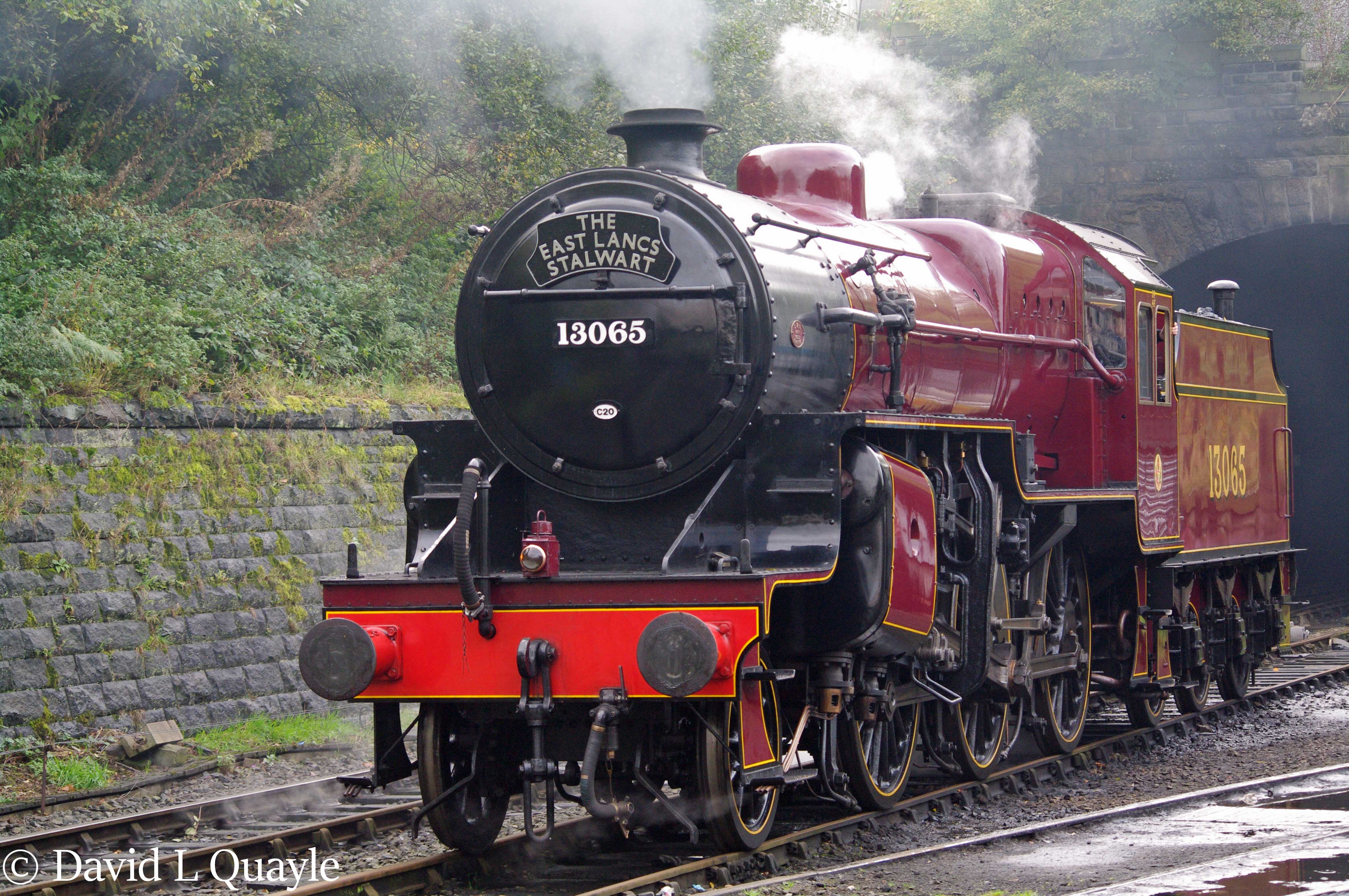 This image has an empty alt attribute; its file name is 42765-at-bury-on-the-east-lancashire-railway-october-2014.jpg